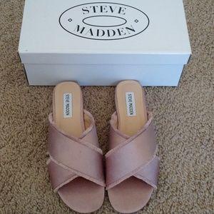Steve Madden Syruss satin flat sandal - BRAND NEW